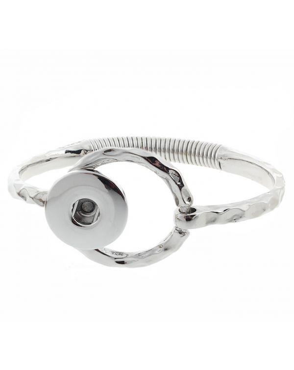 Monarch Bijoux - Hammered Bangle Bracelet (Snap Line)